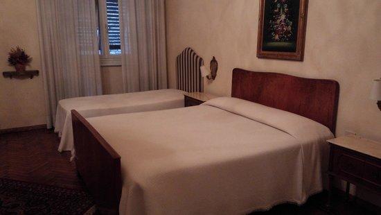 Hotel Cestelli: ダブルベッドとエクストラベッド。エクストラベッドは2つあります。