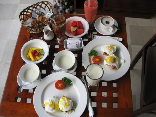 Uma Sapna : Breakfast is served