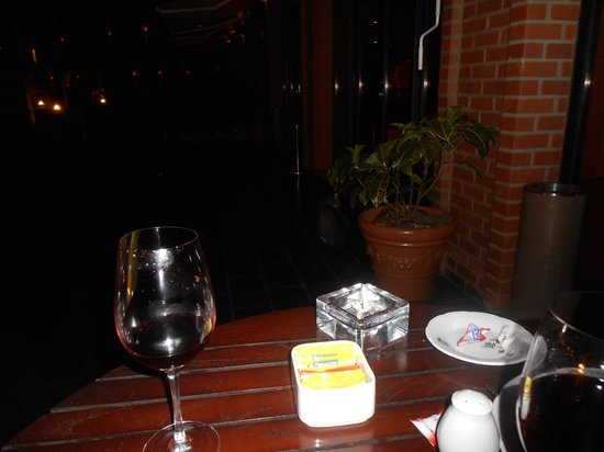 Iguazu Grand Resort, Spa & Casino: tomando um vinho na varanda