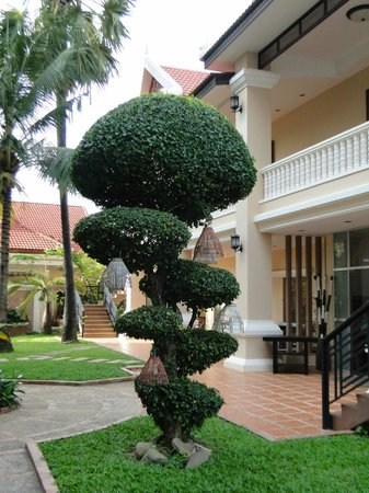 Khemara Angkor Hotel & Spa: GARDENS