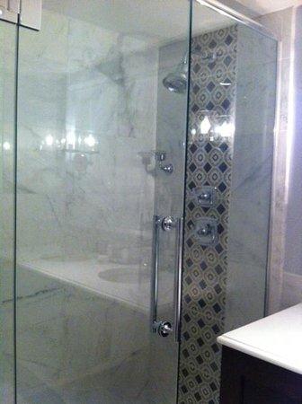 The Graham Georgetown: Shower