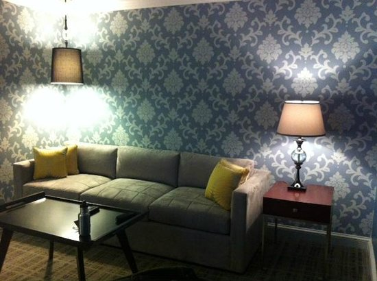 The Graham Washington DC Georgetown, Tapestry Collection by Hilton : Sofa