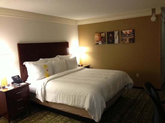 Washington Marriott at Metro Center: wonderful bed - room 911