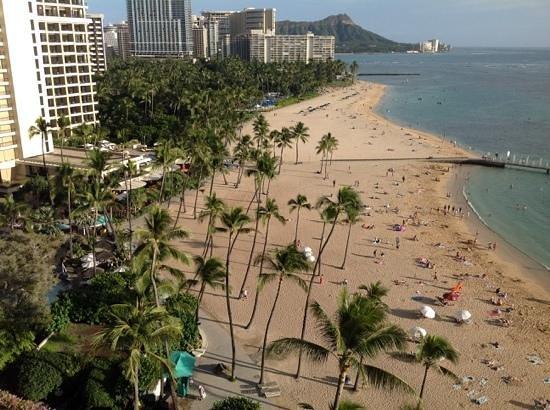 Hilton Hawaiian Village Waikiki Beach Resort : my corner room 12th floor view