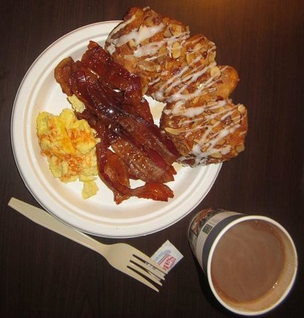 BEST WESTERN PLUS Stovall's Inn: free breakfast (pastry was from the bakery at Knott's...but look at that pile of bacon!!)