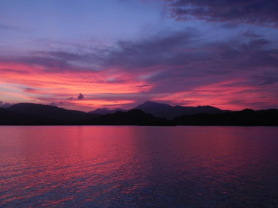 Vista Hermosa Boutique Bed & Breakfast : sunset over the Gulf of Nicoya