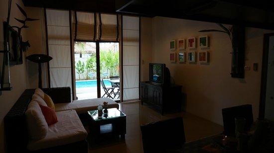 Dhevan Dara Resort & Spa Hotel: Living Room