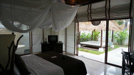 Dhevan Dara Resort & Spa Hotel: Room