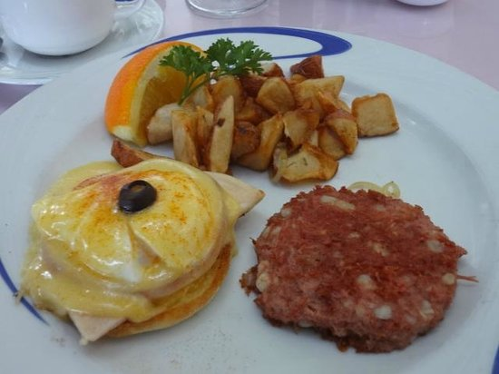 Hau Tree Lanai Restaurant: food2