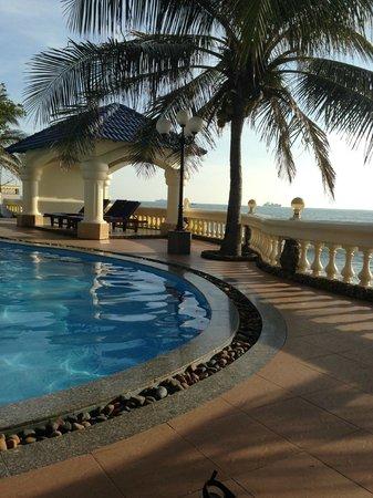 Lan Rung Beach Resort & Spa: Pool