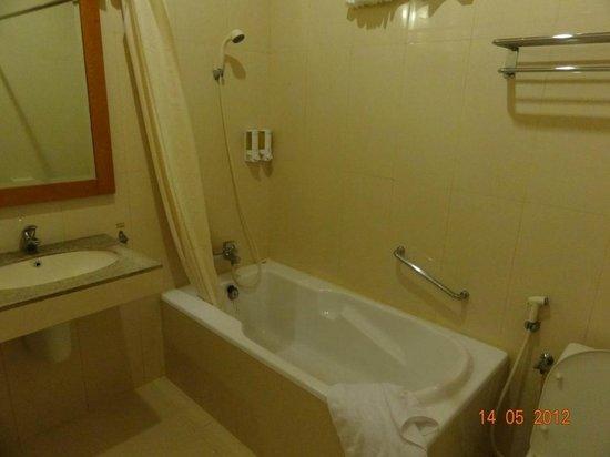 Febri's Hotel & Spa : Ванная комната