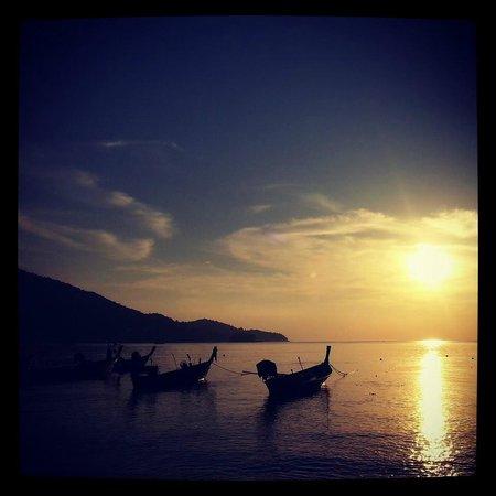 Dewa Phuket Resort Nai Yang Beach: Sunset at Nai Yang beach