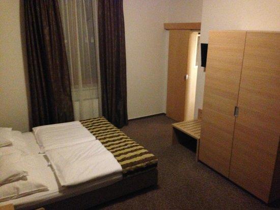 BEST WESTERN Hotel Pav : vista della camera