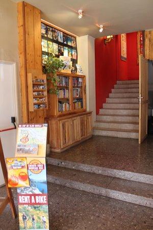 Marcopolo Inn: фойе