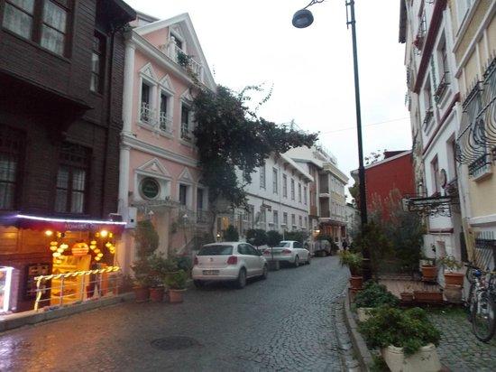 Avicenna Hotel: rue de l'hôtel 3ème batiment à gauche