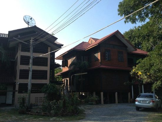 Baan Lotus Guest House : Guesthouse building