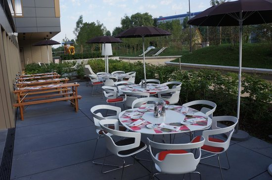 25hours Hotel Zurich West: Breakfast Area