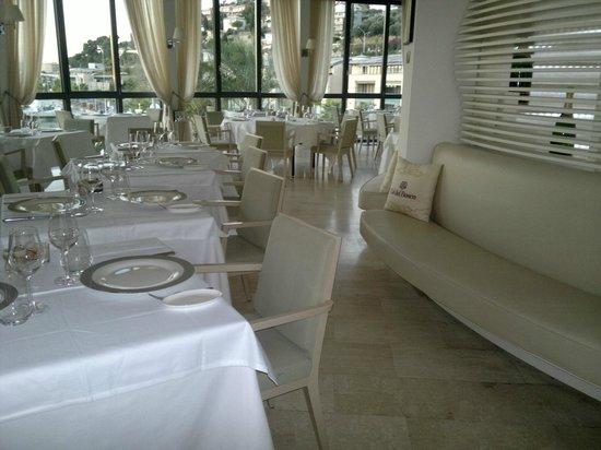 Hotel Riviera dei Fiori : Salle restaurant