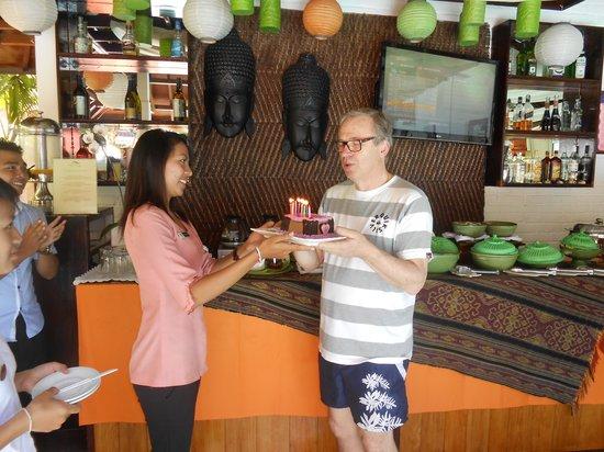 Sarinande Hotel: Free cake,, yum