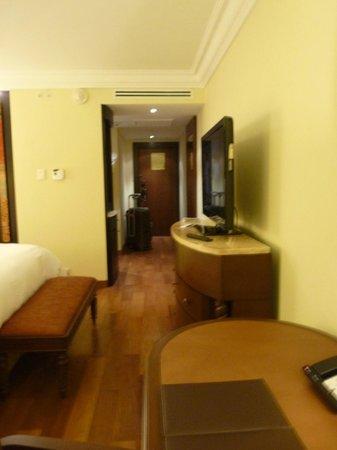 JW Marriott El Convento Cusco : entrée chambre