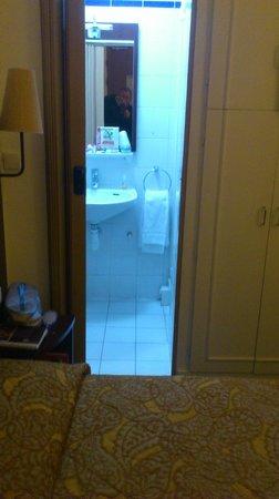 "Hotel Vivienne: The 'bathroom"""