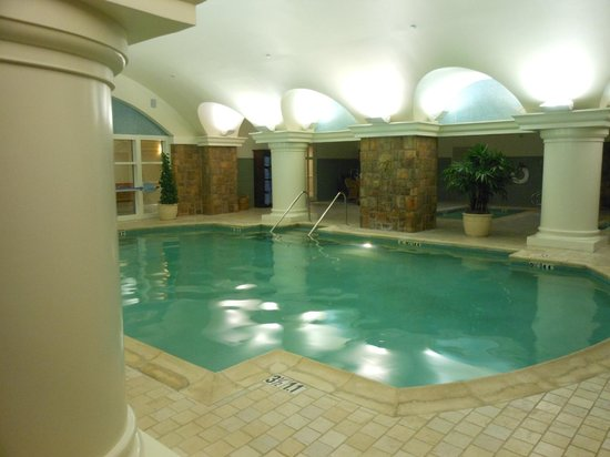 The Ballantyne Hotel and Lodge: We had the entire pool 'room' to ourselves!