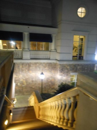 The Ballantyne Hotel and Lodge: Staircase down from the back balcony