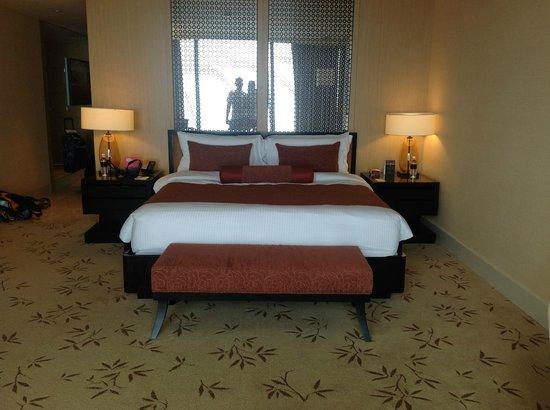 Marina Bay Sands : Кровать о которой до сих пор вспоминаем...Спали, как младенцы