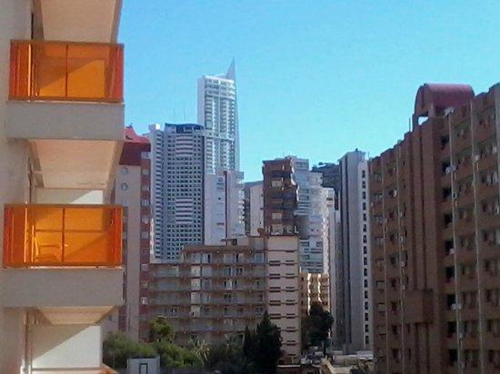 Dynastic Hotel: Blue sky