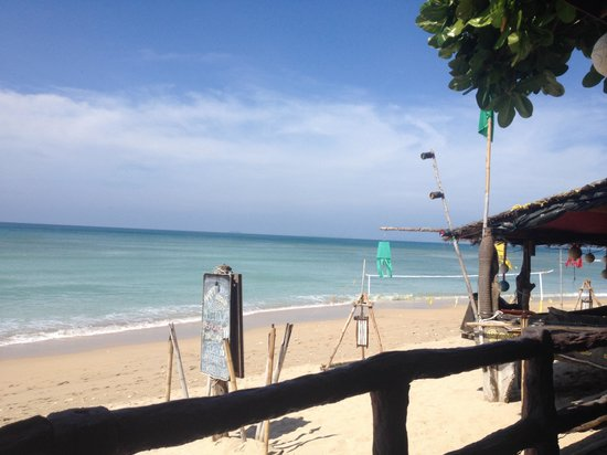 Lanta Emerald Bungalow: View from restaurant!