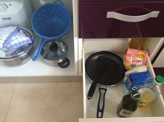 Apartments Magdalena: Attrezzi cucina