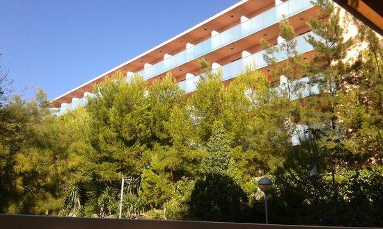 Aparthotel SunClub Salou: H Top Molinos Park- hotel behind Sunclub