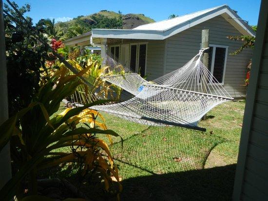 Blue Lagoon Beach Resort : Hammock at each room