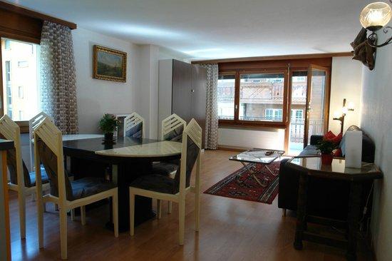 Monazit Zermatt: apartment for 6 people 2. floor south-east