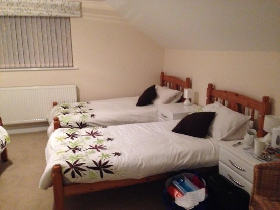 Barn Close : Family room.
