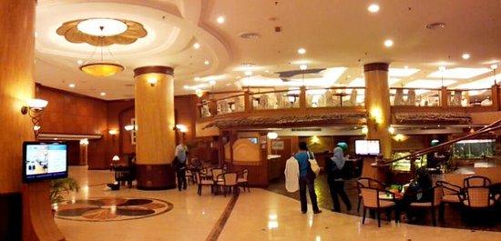 Summit Hotel Subang USJ : The hotel lobby.