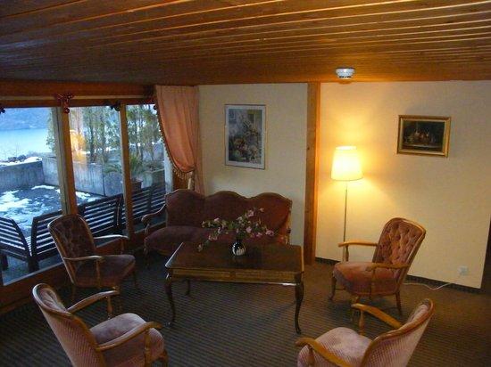 Hotel Bellevue Bären: Second lobby