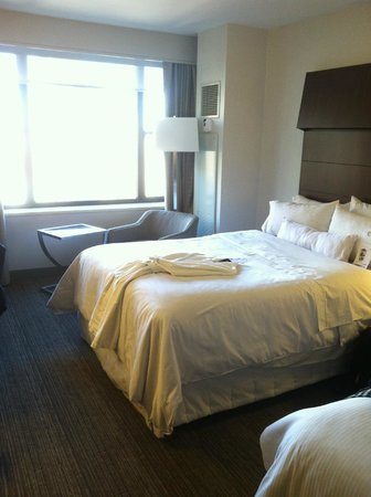 The Westin New York Grand Central: Bed 1 of 2