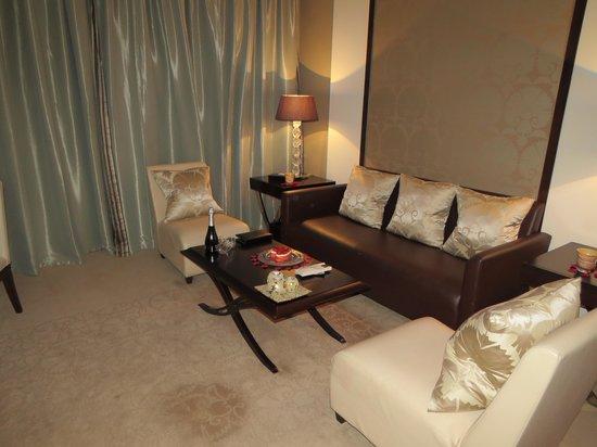 Al Faisaliah Hotel: al faisaliah suites