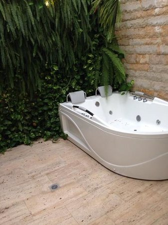 Hotel Boutique Don Pepe: hot tub - suite 210