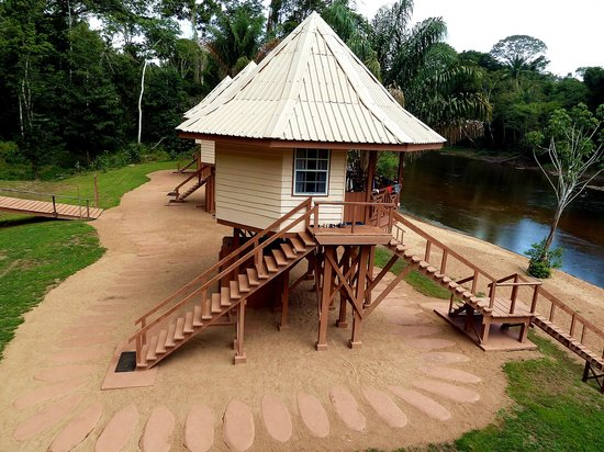 Kabalebo Nature Resort: River Cabins