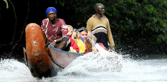 Kabalebo Nature Resort: Boat trip over the rapids
