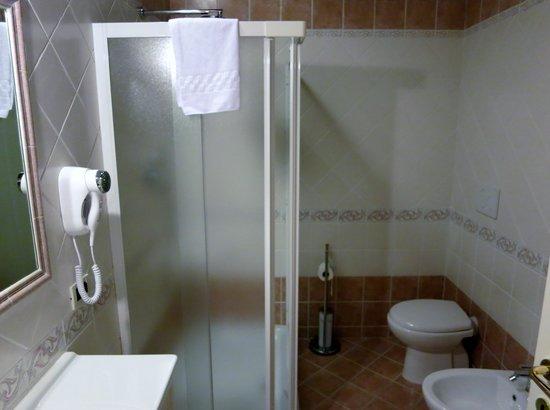 Albergo la Foresteria: Bath room