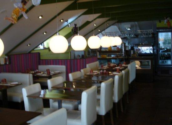 B&B-Hotel Pension Alemana: desayunador,todo un diseno!!