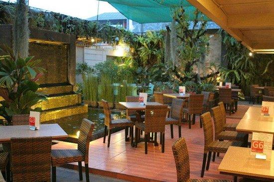 Outdoor Garden Area Picture Of Kedai Nongkrong S Cirebon Tripadvisor
