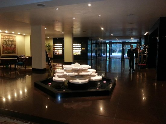 The Oberoi: Reception area
