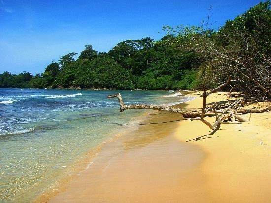 Isla Zapatillas : Bello