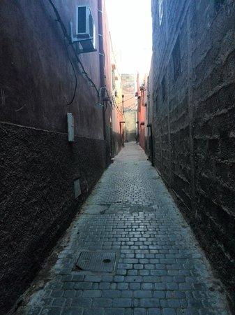 Riad Ambre et Epices: Callejuelas para acceder al riad
