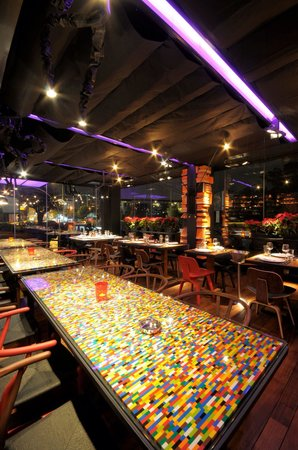 Gaspar Food and Mood: Lego tables
