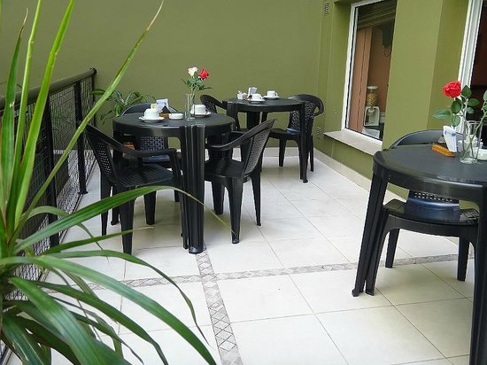 Hotel Carrara: patio